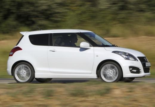 SUZUKI Swift II hatchback biały przedni prawy
