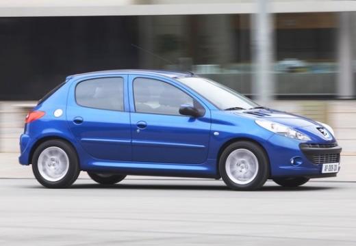 PEUGEOT 206+ hatchback niebieski jasny przedni prawy
