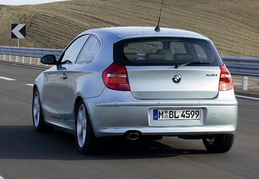 BMW Seria 1 E81 hatchback silver grey tylny prawy