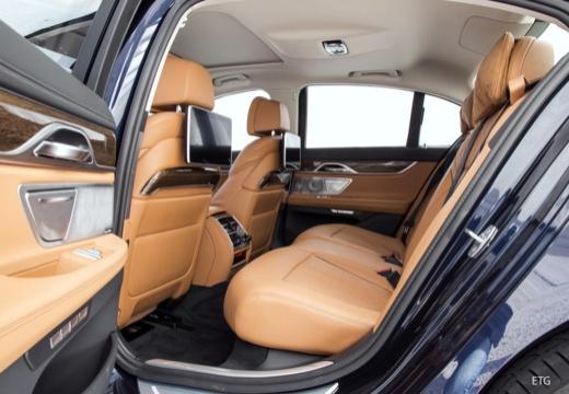 BMW Seria 7 sedan wnętrze