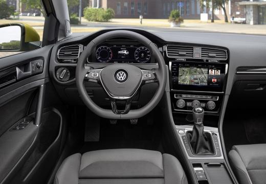 VOLKSWAGEN Golf VII II hatchback tablica rozdzielcza