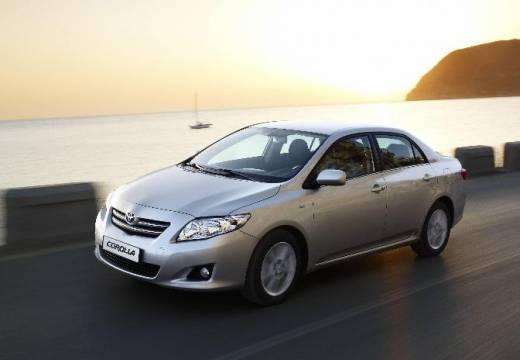 Toyota Corolla I sedan silver grey przedni lewy