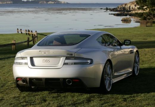 ASTON MARTIN DBS coupe silver grey tylny prawy