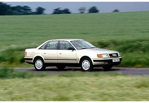 AUDI 100 C4 sedan przedni prawy