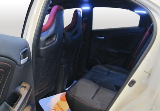 HONDA Civic IX hatchback wnętrze
