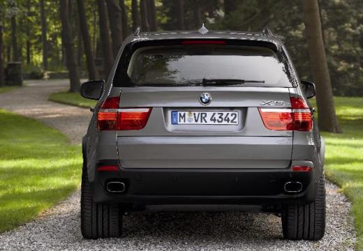 BMW X5 kombi silver grey tylny